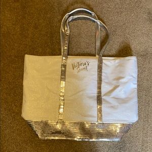 New without tags Victoria secret tote